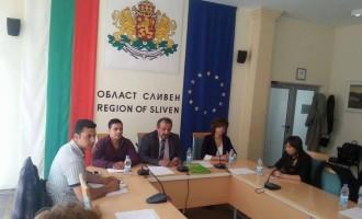 """Асоциация Интегро проведе дебат на тема """"Речта на омразата и нейното влияние над трудовата заетост на лица до 29 годишна възраст в Област Сливен"""""""
